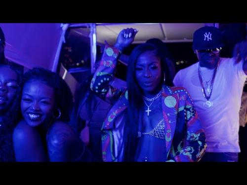 HoodCelebrityy – Champagne